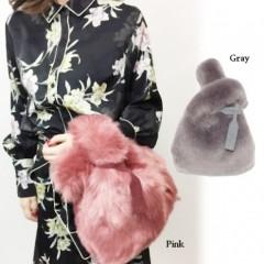 小物から秋を♪まずシーズンムード満載なバッグをGet◎あの人気ブランドとのコラボやファーなど♪