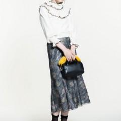 女性らしさと上品さを意識したLily Brownの新作で、この冬はフェミニンな装いに♪